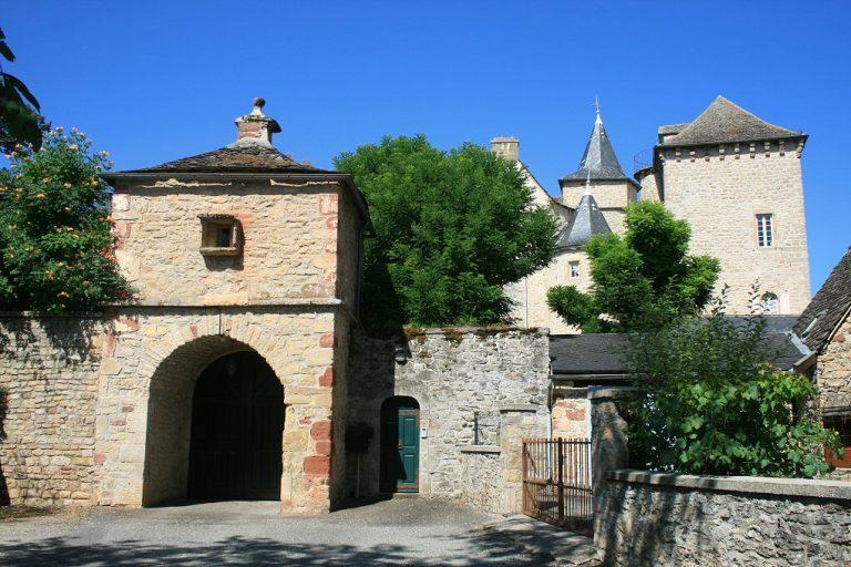 Porche et chateau